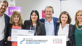 Fundación AVON renueva su compromiso con La Casa del Encuentro